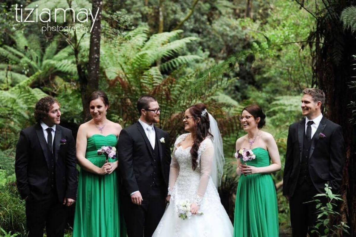 Cover Image - A gorgeous winter wedding in Sassafras.